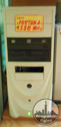Pentium 4, monitor, sto + stolica