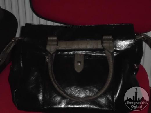 Crna torba sa braon detaljima