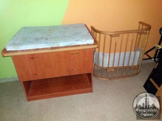 Komoda za bebu plus krevetac