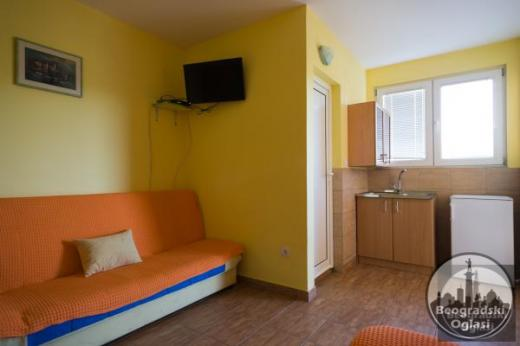 Izdajem apartmane, Radovići, Tivat, Crna Gora, plaža Plavi Horizonti