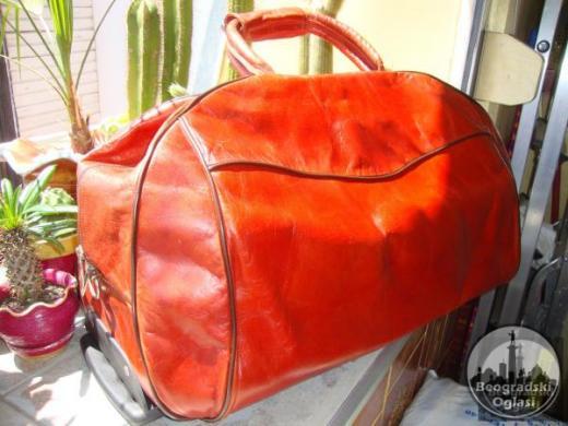 Za ljubitelje egzotike i vrhunskog kvaliteta putna torba  od KAMILJE KOŽE – poreklo TUNIS