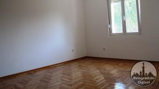 SEVERNI BULEVAR, VELJKA DUGOŠEVIĆA 68 M2