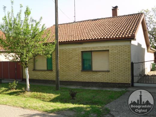 Prodajem kuću Inđija-Beška