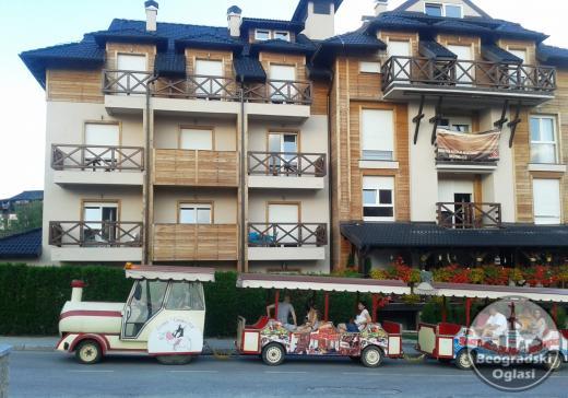 NOV Apartman u centru Zlatibora, Maša