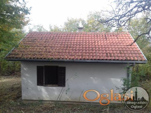 Na prodaju povoljno kuca CENA: 6.000 EUR