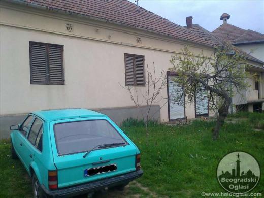 Na prodaju kuca sa lokalom povrsine 90m2 CENA: 9.400EUR