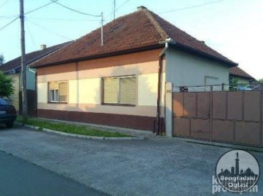 NA prodaju porodicna kuca povrsine 130m2 CENA: 25.000EUR