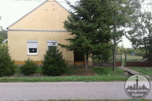 Prodajem kucu i plac 58 ari CENA:14.500 EUR