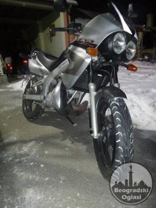 YAMAHA TDR   125 CM motor