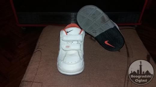 Original Nike decije patike 22,5