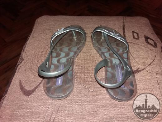 Prelepe Ipanema decije sandale 31