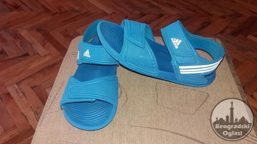 Original Adidas decije sandale 33