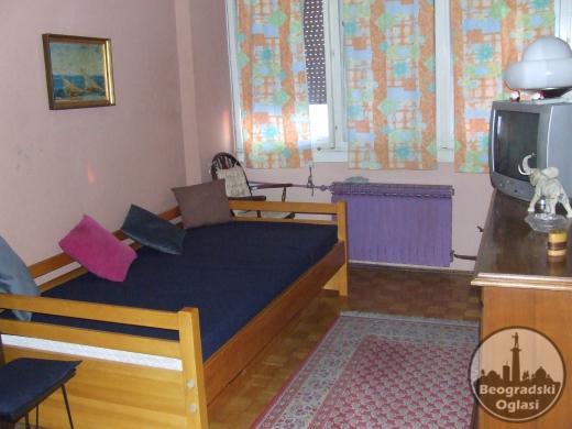 Trosoban stan na Konjarniku 65m2