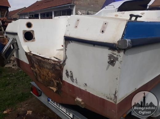 Remont poliesterskih čamaca