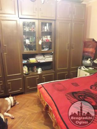 Prodajem uknjizen stan na Karaburmi