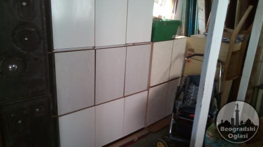 Visece kuhinje bele sa dvoje i troje vrata