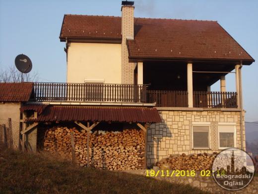 Menjam ili prodajem kucu kod Banje Koviljace za stan u Beogradu. CITAJ DETALJNO