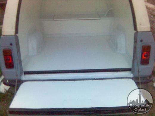 Oblaganje kamionskih hladnjača poliesterom