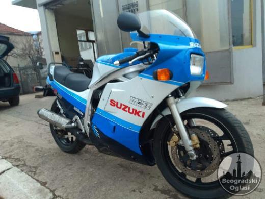 SUZUKI Gsxr 750 Gr75a 1986. godiste