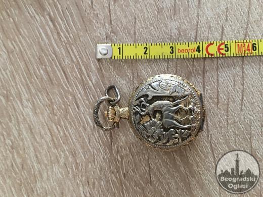 zenski sat starinski medaljon