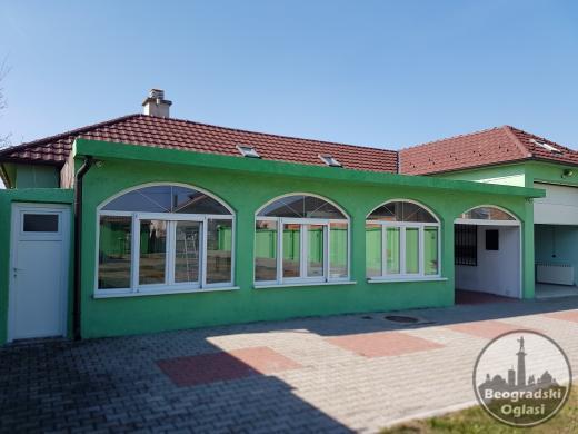 Višenamenska kuća, kod NS