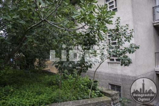 Kuća na 5 ari placa sa garažom ID#93875