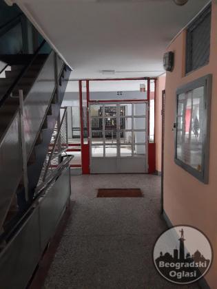 Dvosoban stan 56m2, ulica Zorana Đinđića, Blok 21-Novi Beograd