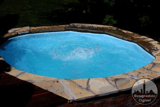 Kuća u Surčinu, bazen, za odmor, proslave, snimanja