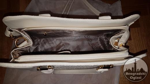 *** NOVO *** Ženska torba sa 3 dodatka