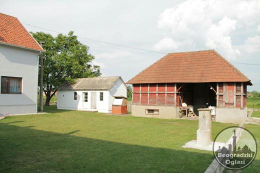 DOMACINSTVO na 10 km od Obrenovca - Veliko Polje