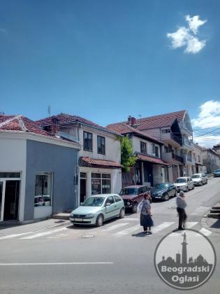 Lokal - poslovni prostor   Leskovac, Kod Pošte,  100 kvm, uknjižen, 23000