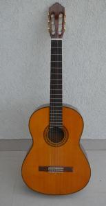 Prodajem gitaru - Yamaha C70