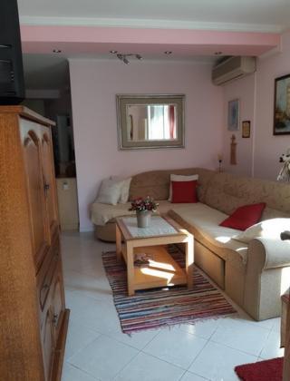 Apartman i dvosoban stan za izdavanje u Budvi