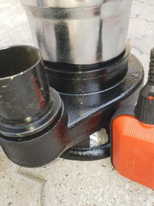 Potapajuca muljna pumpa Straus 1950w sa seckalicom