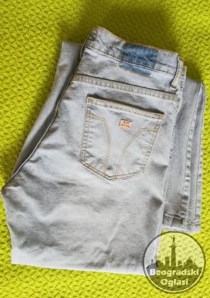 NAR Jeans zvoncare