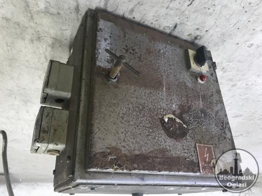 Elektro ormar sa sklopkom