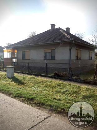 Prodajem kucu na Panoniji, turistickom naselju u blizini Backe Topole