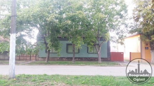 Dve kuce na prodaju u okolini Zrenjanina