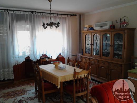 Na prodaju spratna kuća u Staroj Pazovi