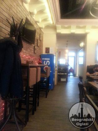 Caffe pizzeria u radu