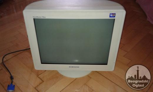 Samsungov monitor