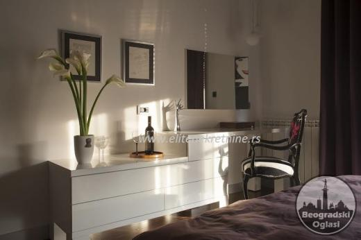 Izdajemo Lux trosoban stan na Dorćolu