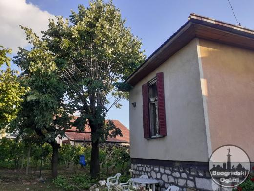 Na poradaju porodična kuća u Aranđelovcu