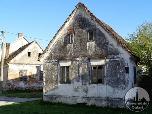Kupujem kuću u Deču opstina Pećinci