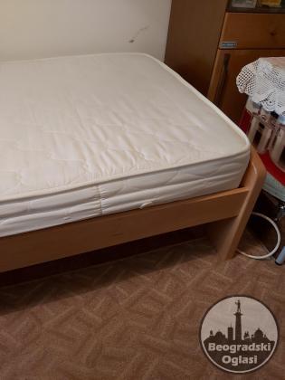 Prodajem krevet i dušek