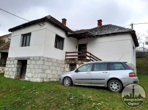Prodajem kucu blizu planine CENA: 25.000EUR