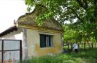 Stara banatska kuca za renoviranje u Barandi