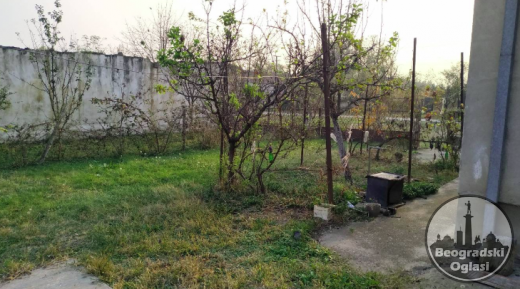 Na prodaju kuca povrsine 90m2 na placu od 15 ari CENA: 10.000EUR