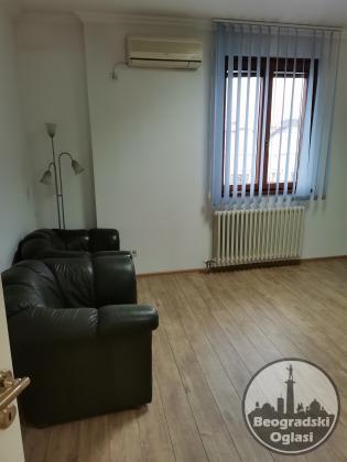 Poslovno stambeni prostor, centar, 128 m2