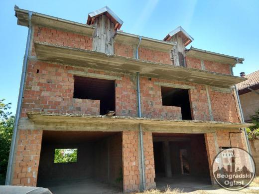 AKCIJA Leštane kuća 450 m2 u grubim radovima SAMO 42000